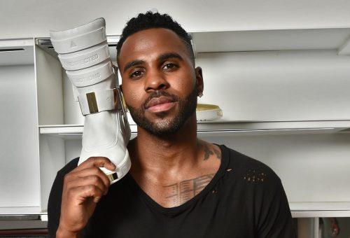 Luxusbakancs 300 ezer forintért az R&B-királyfitól