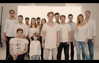 A fiatalok kedvenc sztárjai fognak össze a netes zaklatás ellen