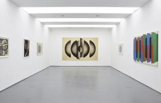 Kiállításra hívunk: Mesterhármas az acb-ben