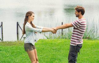 Egy extrovertált és egy introvertált szerelme