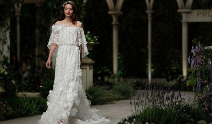 Csipkehalmok és leheletfinom anyagok az idei Barcelona Bridal Fashion Weeken