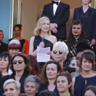 Az erőszak ellen álltak ki a színésznők Cannes-ban