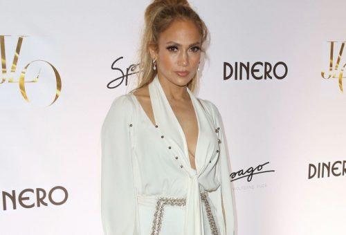 Jennifer Lopez bugyiban mutatta be új kislemezét