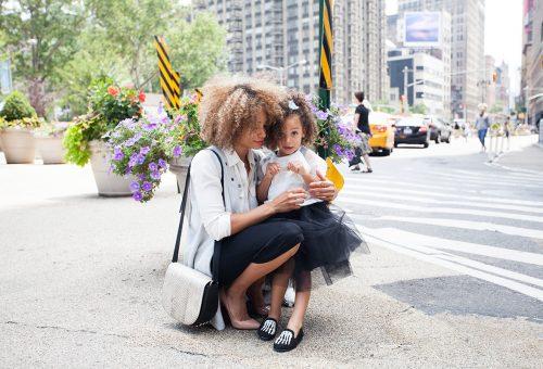 Jobb munkát kapnak majd a dolgozó anyukák lányai