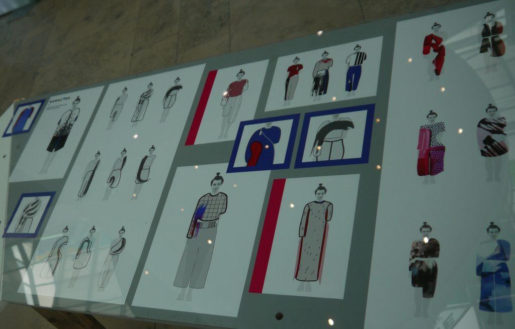 59a3a40fb3 A divattervekből és fotókból rendezett kiállításnak helyet adó Allee  Bevásárlóközpont fontosnak ...