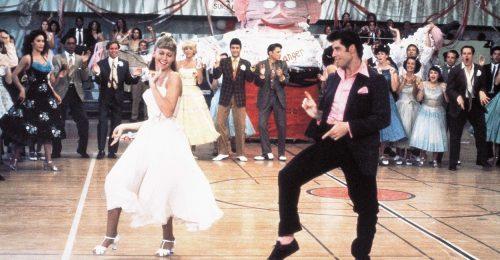 John Travoltának még mindig mennek a Grease tánclépései