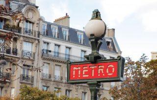 A francia feministáknak elege van a macsó metrómegállókból