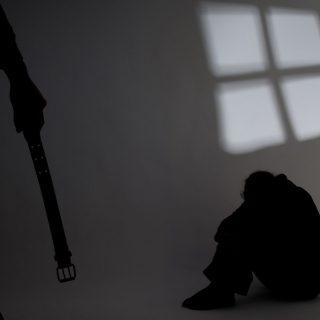 A családon belüli erőszak nem a pofonnál kezdődik…