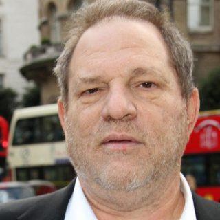 Hivatalossá váltak a Weinstein elleni vádak