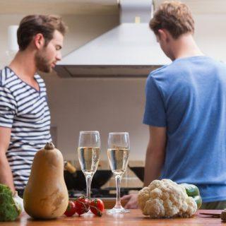 Mit csinálnak másként a melegek és leszbikusok a konyhában?
