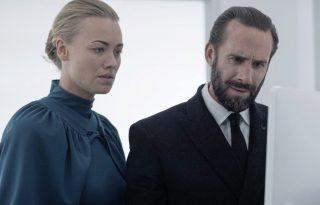 Joseph Fiennes nem akart több nemi erőszakot A szolgálólány meséjébe