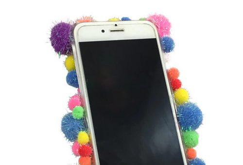 Pom-pom orgia egy telefonon – ennél színesebb mobiltok a világon nincs