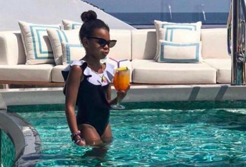 Beyoncé kislányának luxusnyaralós fotójára irigykedik az internet