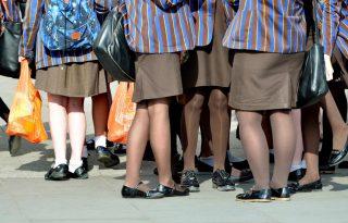 Jövő évtől már sortot is viselhetnek az ausztrál kislányok