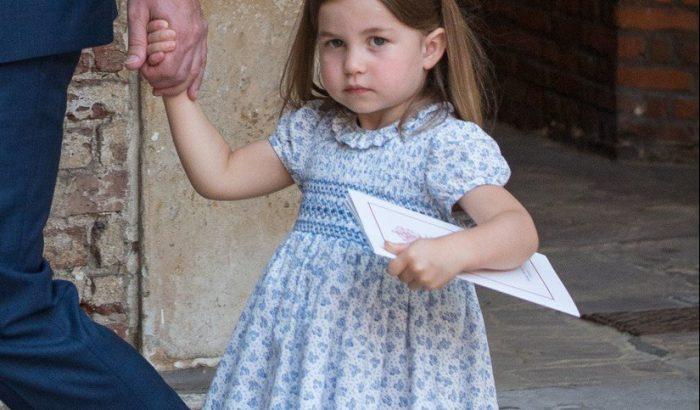 Charlotte hercegnő jól beszólt a fotósoknak kisöccse keresztelőjén