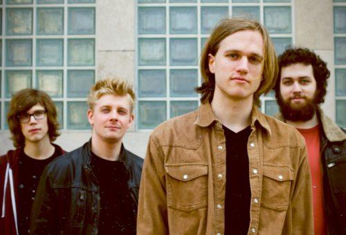 Kozmikus távolság a talpunk alatt – interjú az elsőlemezes Hold Utca zenekarral