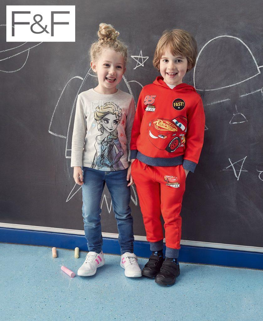 80d024a515 A kislányok számára tervezett darabokat Elsa, a királylány, pasztell  csillagok, flitterek és csillogó unikornisok díszítik – a kisfiúk pedig  olyan vagány ...