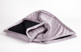 Speciális takarót gyártottak a menstruáció alatti szexhez
