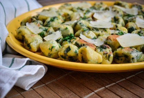 Pillekönnyű spenótos gnocchi