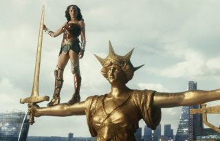 Bárki szerepelhet a Wonder Womanben Gal Gadottal, ha jótékonykodik