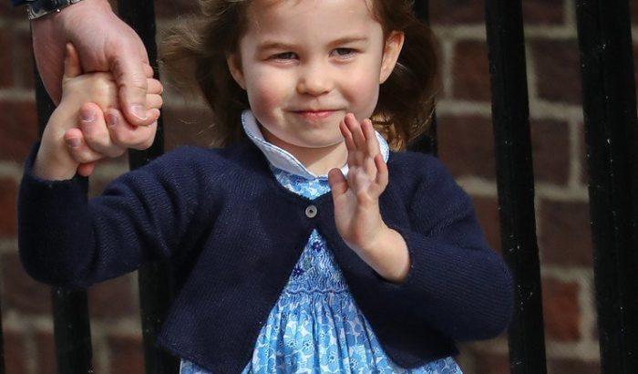 Charlotte hercegnő nem a protokoll miatt visel mindig cuki kisruhákat