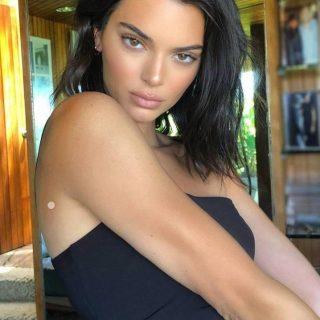 Kendall Jenner magyar tervezői ruhát választott