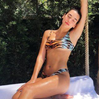 Dua Lipa bikinis posztjait érdemes megnézni