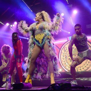 Rita Ora hatalmas bulit csapott a Manchester Pride-on