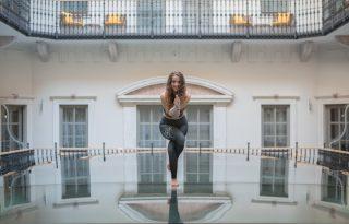 5 perc jóga Johannával: a kiegyensúlyozottságért