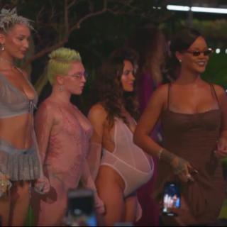 Rihanna New York-i divatbemutatójánál régen láttunk őrültebbet – de fontosabbat se sokat
