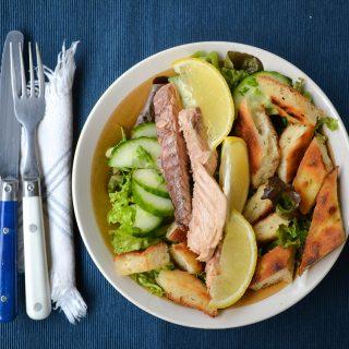 Mennyei makrélás saláta maradék kenyérből