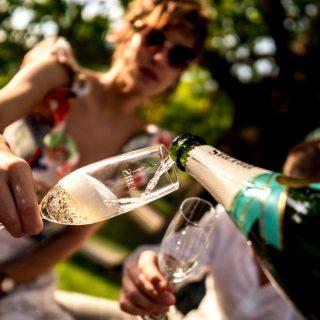 Champagne-bárok nyílnak Budapesten