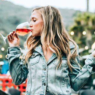 Az alkohol menthet meg a demenciától?