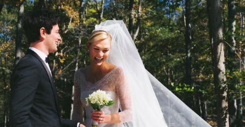 Gyönyörű esküvői képet posztolt magukról Karlie Kloss az Instagramon