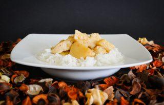 Őszi ízorgia: fűszeres, birsalmás csirkeragu percek alatt