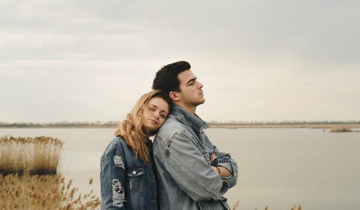 A becézgetés megerősítheti a párkapcsolatodat