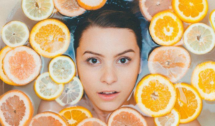 Citromos vízzel a szép bőrért