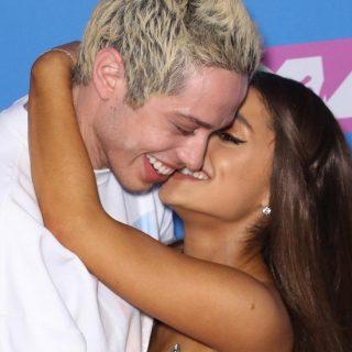 Ariana Grande és Pete Davinson szakítottak és felbontották az eljegyzést is
