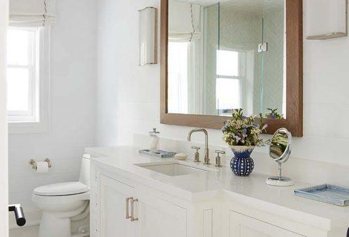 Egyetlen tipp, amivel nagyobbnak tűnhet a fürdőszobád