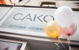 Örömzenével ünnepeltük a CAKO showroom első szülinapját