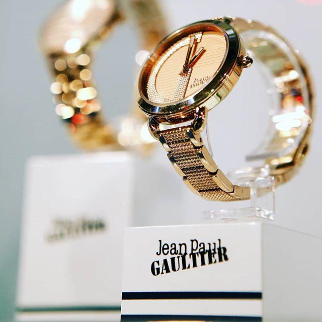 Komfortzónán kívül a Jean Paul Gaultier órákkal  8dfddf2a1e