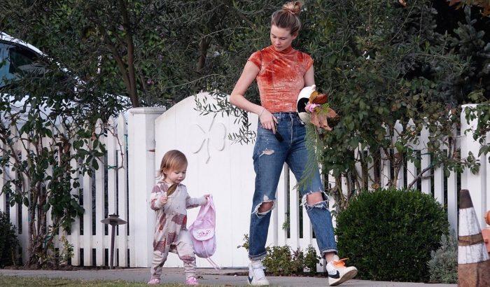 Behati Prinsloo kislánya éppen olyan stílusos, mint az anyukája
