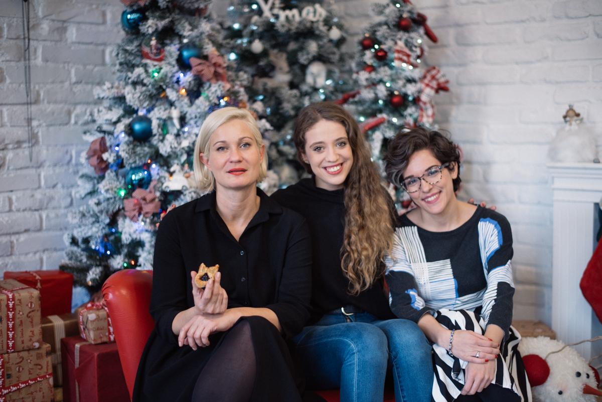30. kép: Tóth-Szántó Krisztina, Szigyártó Johanna és Dobos Emese