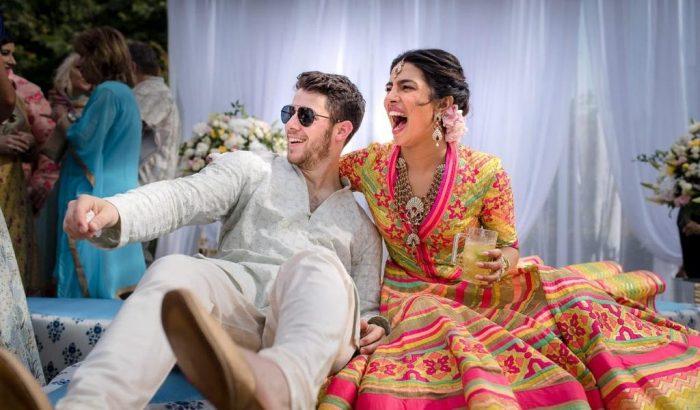 Megérkeztek a hivatalos fotók Nick Jonas és Priyanka Chopra indiai esküvőjéről