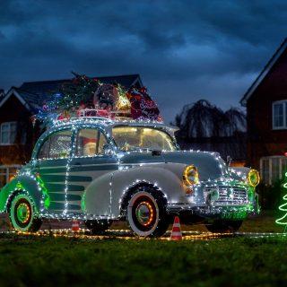 Karácsonyi autó, advent legszebb dekorációja