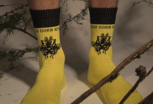 Zsigmond Dora zoknikkal hódít