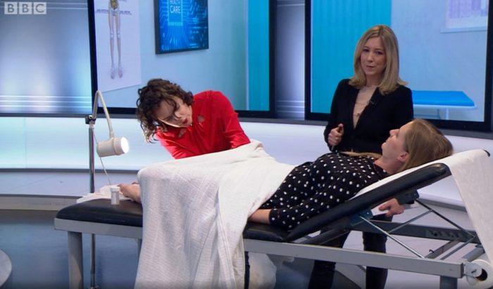 Élő adásban végeztek nőgyógyászati vizsgálatot Cara Delevingne nővérén