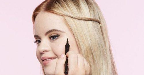 Álomszép Down-kóros modell lány a sminkvilág új sztárja