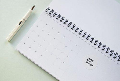 Asztali naptár a minimál design rajongóinak