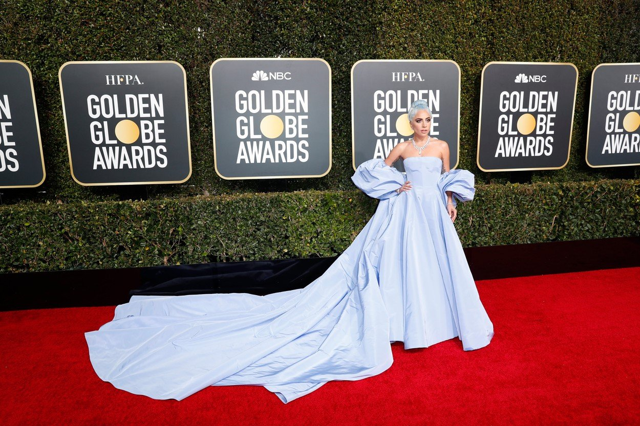 5. kép: Lady Gaga Valentino Couture-t viselt